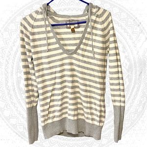 3/30 American Eagle Grey Cream Stripe Hooded Shirt